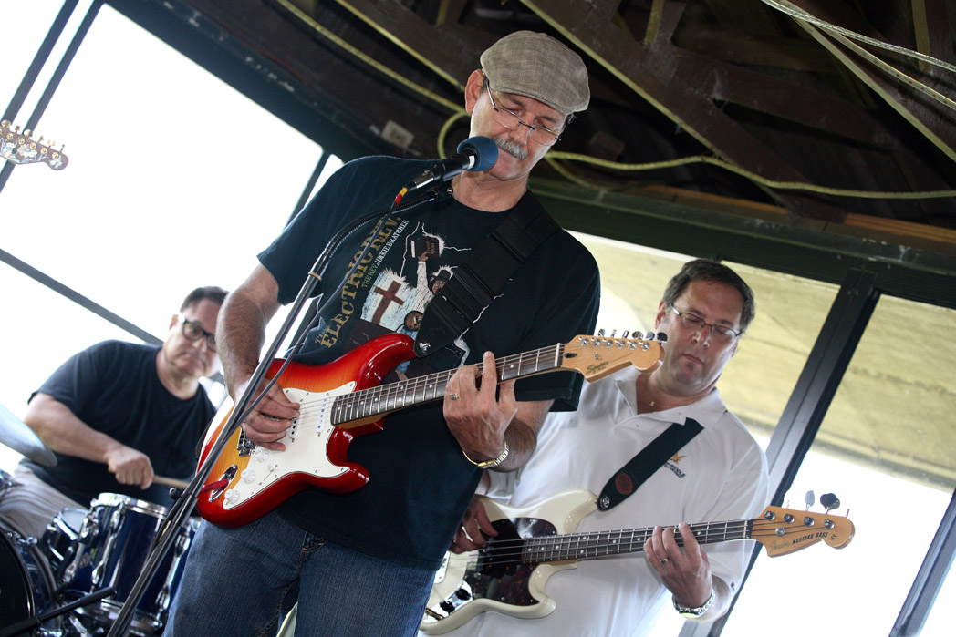 The Parlor Jones Project hosts the Jolly Gator Fish Camp Blues on the River Sunday jam from 2 to 6 PM.